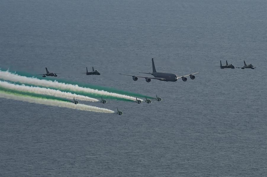d8c42f07 5480 428e bb1b 2aaa99bc88c4 - انطلاق عروض صقور السعودية بمناسبة اليوم الوطني في جدة