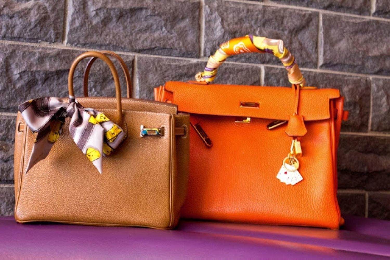 fashion 2015 04 silk scarf peony lim main - طرق لجعل حقيبتك تبدو جديدة تماما دون استبدالها